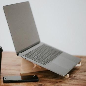 石三木廠 │ iestand 輕薄平板筆記型電腦架